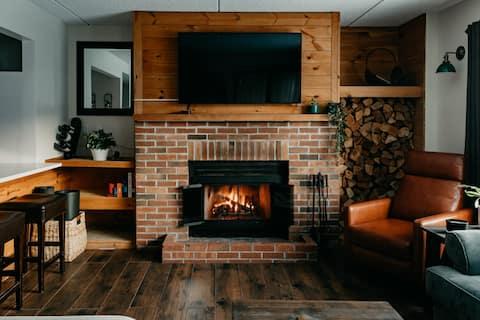 Cozy Modern! The Handle Lodge at Snowtree Condos