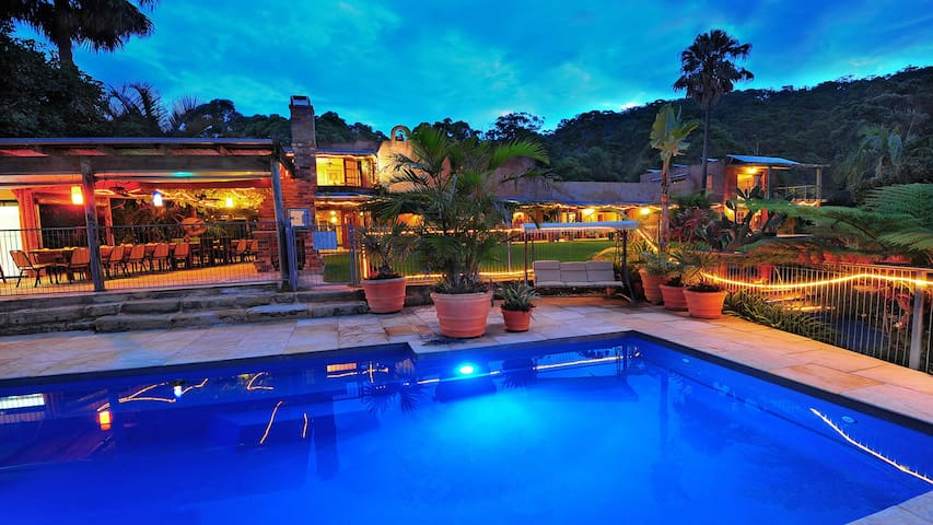 Indigal's West Wing-Luxury Resort Style-Pool&Pets - Charlotte Bay
