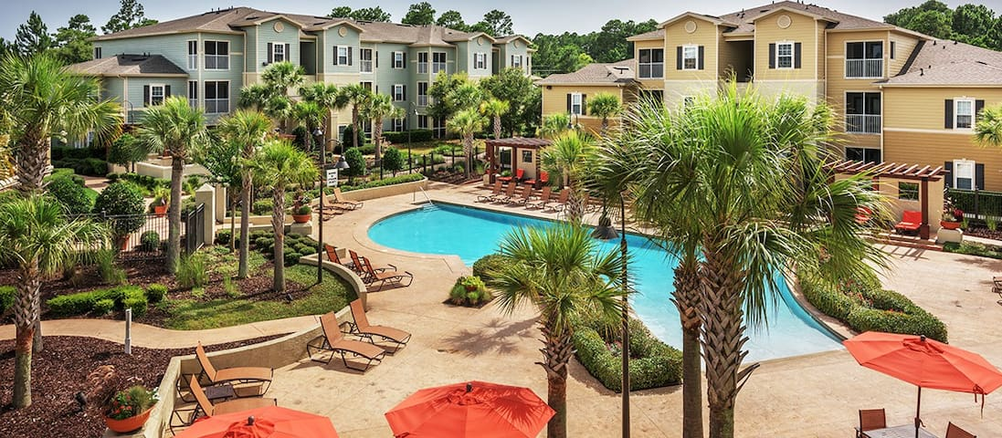 Vibrant 3BR Apartment - Gulf shores
