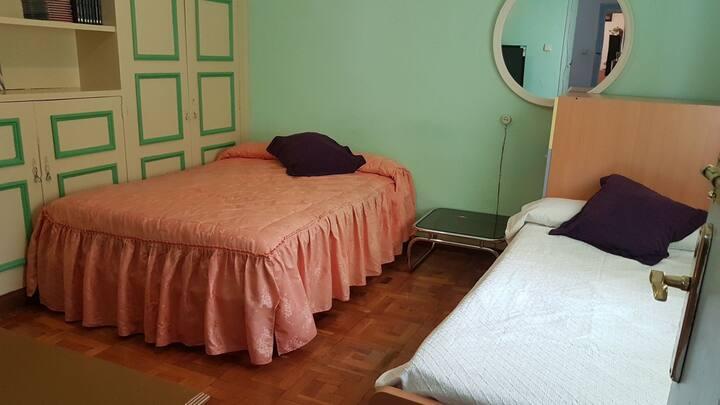 Habitación cómoda y amplía.