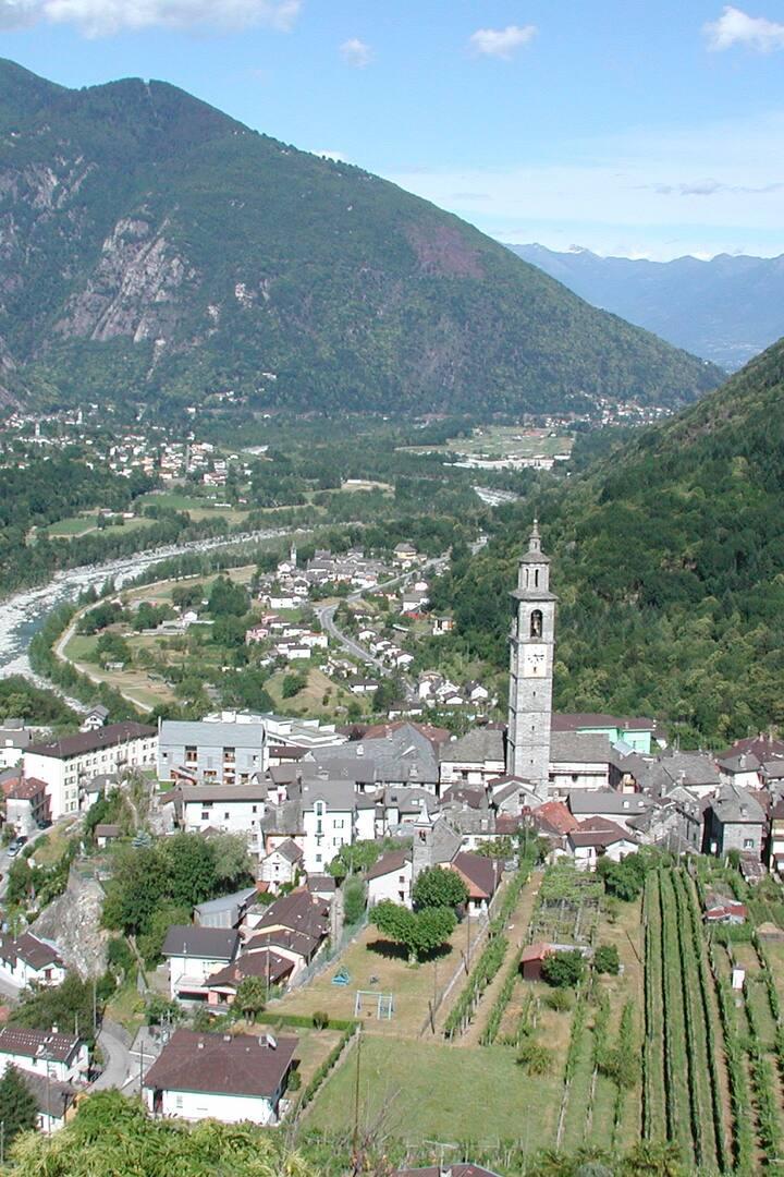 Intragna mit höchstem Tessiner Kirchturm