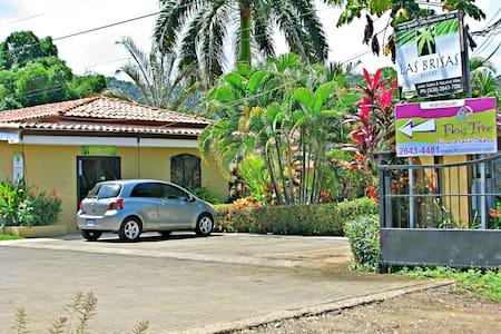 Las Brisas room with kitchenette - Jaco