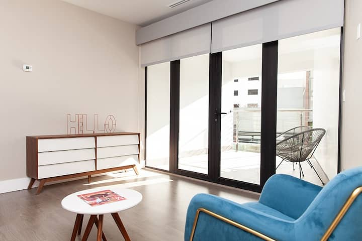 Apartment in commercial zone
