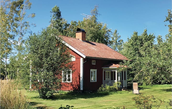 Stunning home in Gullspång with WiFi and 2 Bedrooms