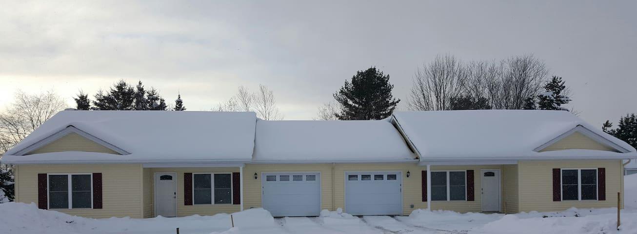 Newly built duplex, second unit. - Presque Isle - House