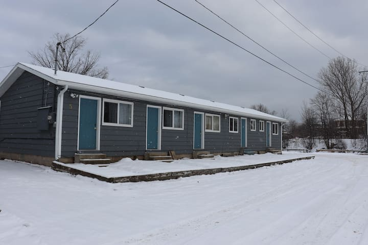 Meaford Luxury Cabin - Unit 5
