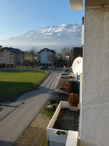 2.5 sunny appartment near to FL and Austria