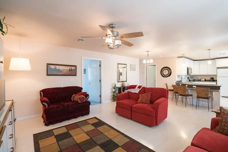 Gila Valley Cottage-just minutes to EAC! Sleeps 7