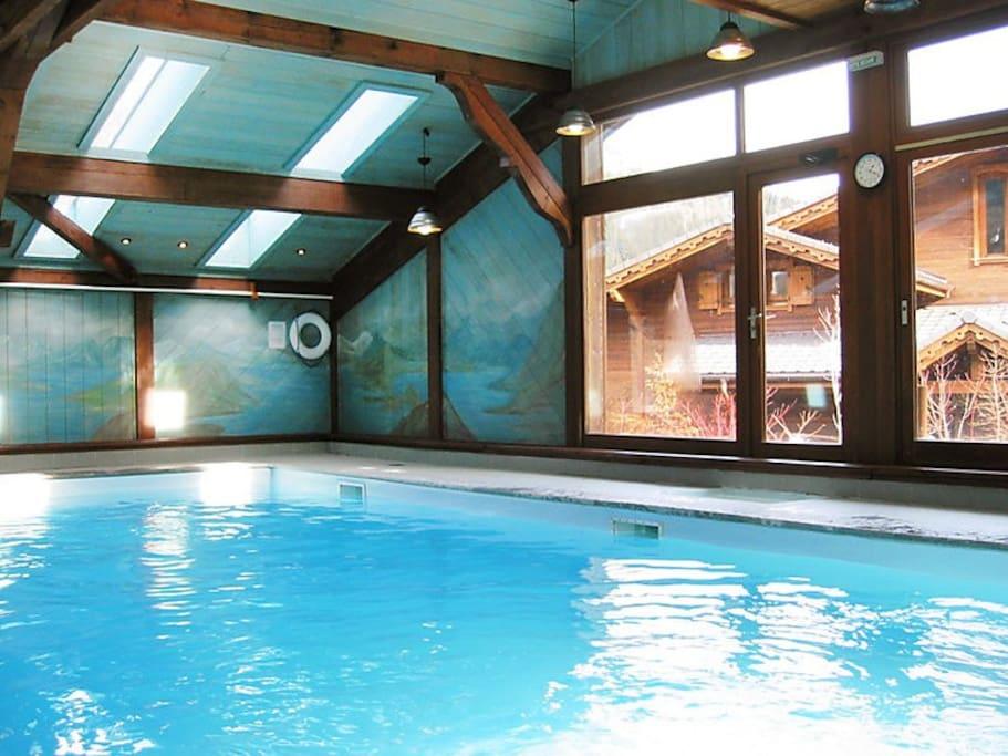 piscine chauffée dans la résidence