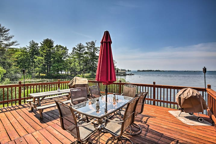 NEW-Secluded 1000 Islands Riverfront Cabin w/Views