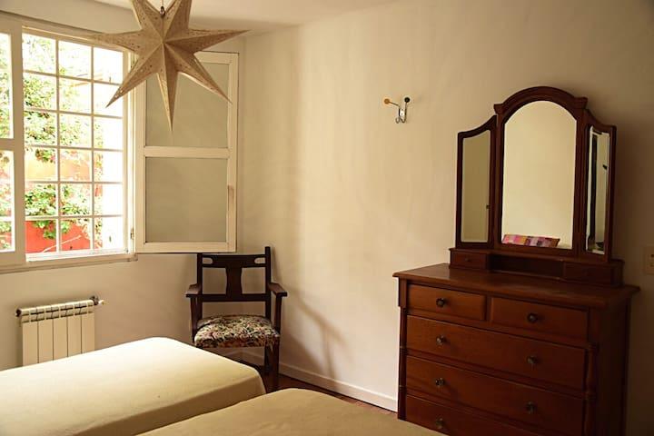 Dos habitaciones con baño  privado en Playa Grande