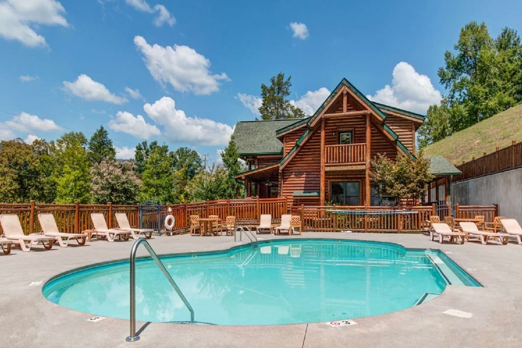 Community Pool - Relax Poolside - Soak up the Beautiful Mountain Sun while Visiting Pine Cone Lodge!