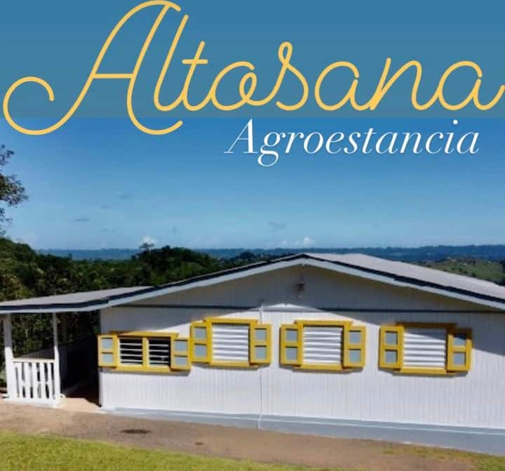 Altosana, beautiful farmhouse with a water spring