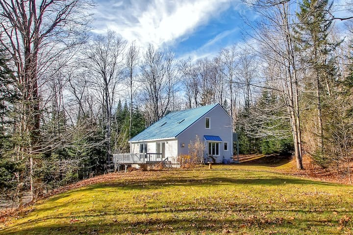 3BR White Mountains Home - 30 Mins to Wildcat Mtn!