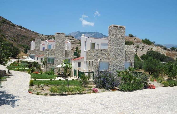 Stonehouse Myrtos 2