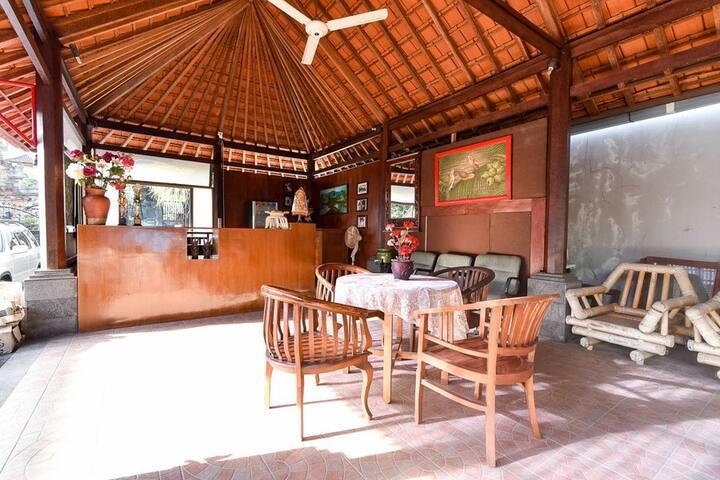 Hotel Twin Room near Level 21 Mall Denpasar Bali