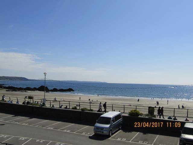 3 Sea View Cottages, East Looe