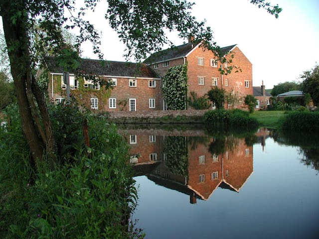 Riverside, Durweston Mill
