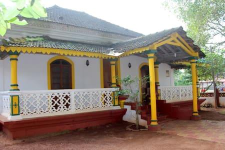 Spacious Heritage house near Candolim beach - Candolim