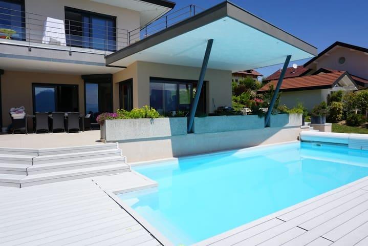 Villa avec vue somptueuse sur Annecy et son lac