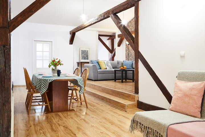 ☺ 7 bedroom loft in the City Centre / 21prs