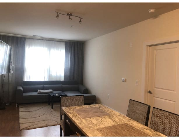 Cozy private room close to DC and metro!