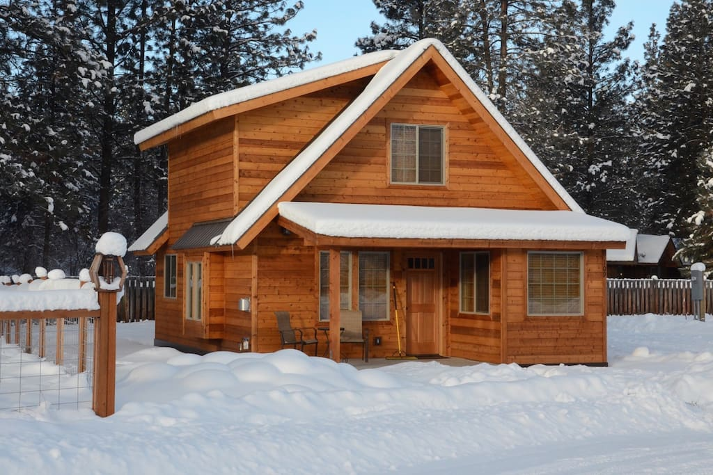 A Sweet Cozy Cabin Close to Downtown Winthrop!