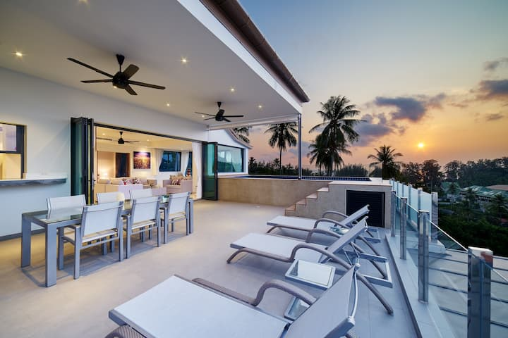 Penthouse SEAVIEW with Private pool Prime location
