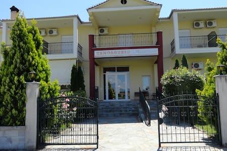 Hotel Kastro - Servia