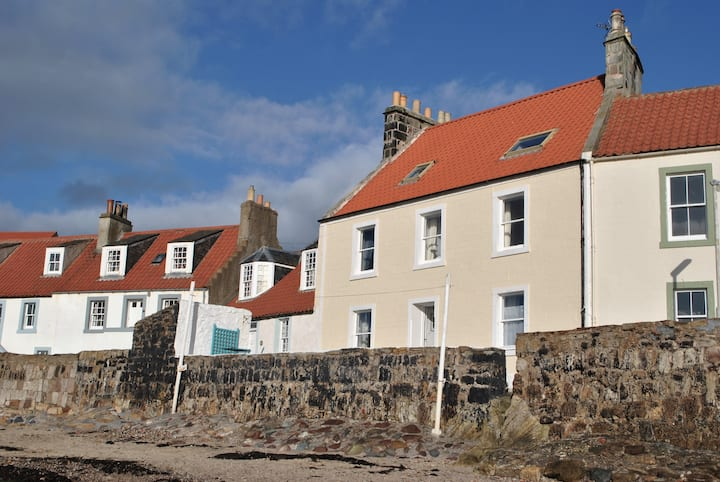 Westshore House- fabulous waterfront home, Fife