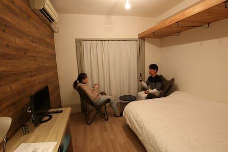 ダブルベッド個室 2名利用可能