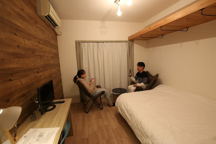 365BASE outdoor hostel private double bed room