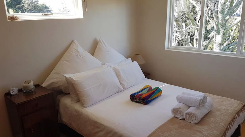 On Pinewood Guest House, Newlands - Double Room