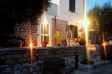 Cozy room in cozy stone farmhouse! - Sonnino