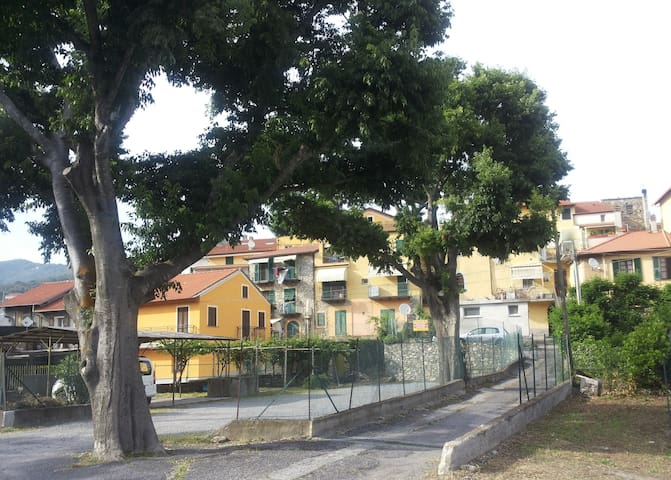 La casa nel borgo - ANDORA - Feriehjem