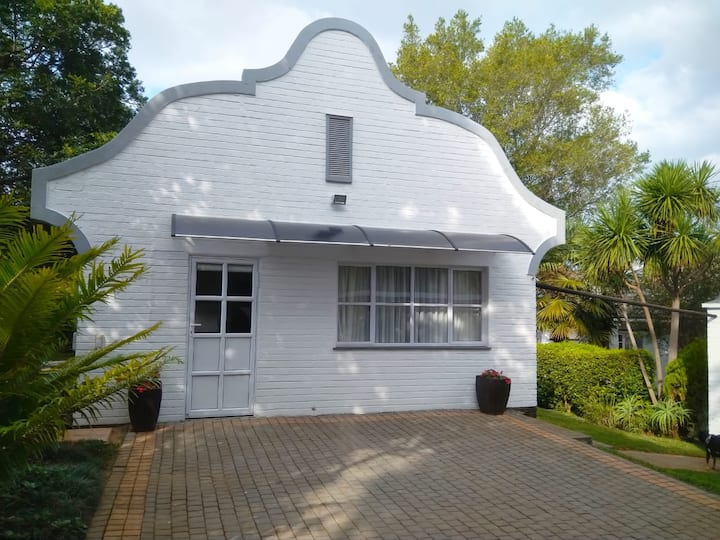 Self-Catering Cape Dutch style garden cottage