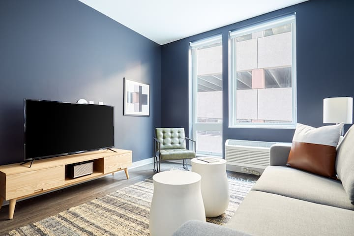 Sonder | Luna Apartments | Sunny 1BR + Parking
