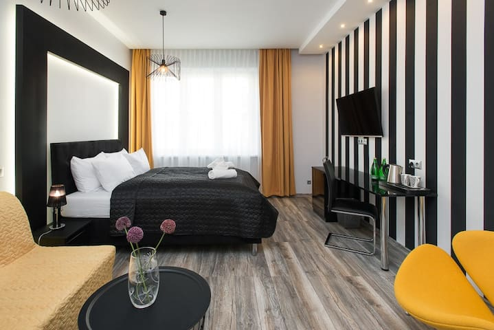Yellow Apartment up to 4 people Old Town Cracow