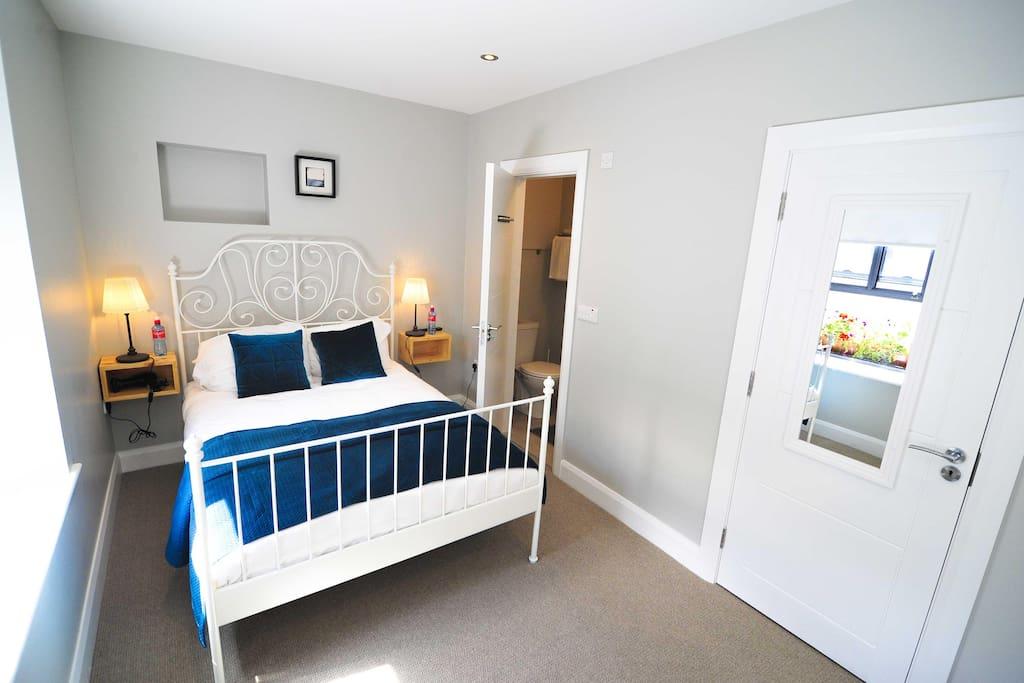 Merrion Townhouse Deluxe Double Room
