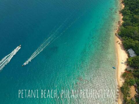 Petani beach chalet