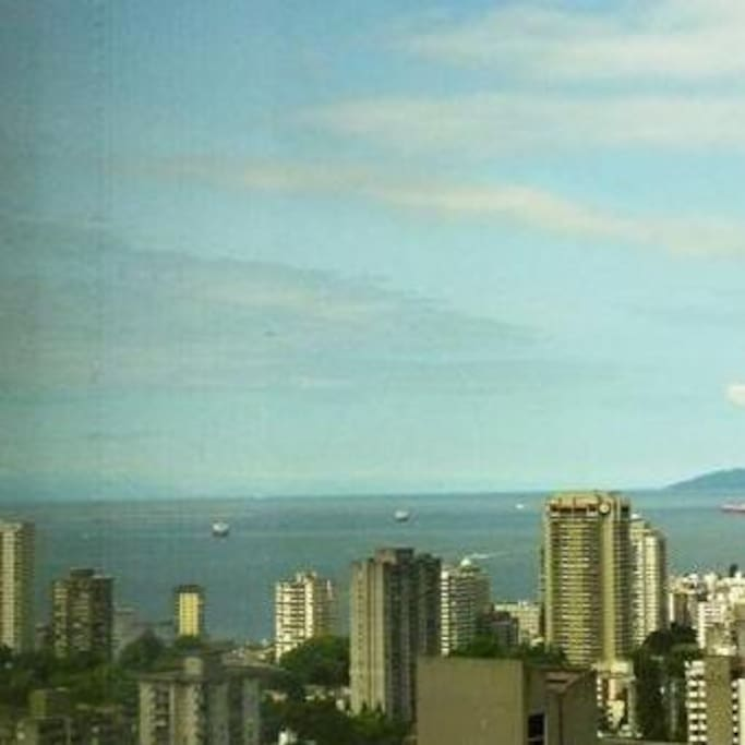 Downtown vancouver ocean view two bedroom two bath for Bathrooms r us vancouver