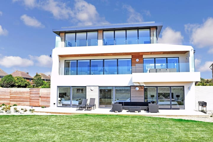 Palm Beach - luxurious beach house by the Sea - Worthing - House