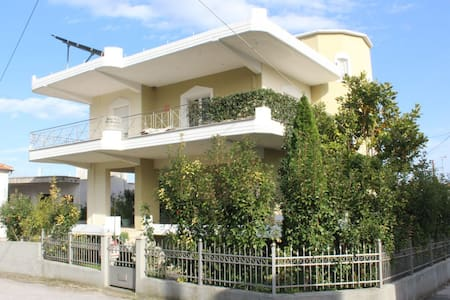 Your Vacation House in Pyrgetos - Pyrgetos - Hus