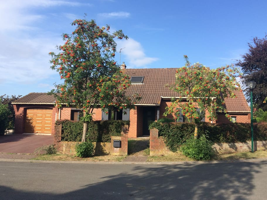 maison avec jardin 8 kms de lille acc s en m tro maisons louer capinghem nord pas de. Black Bedroom Furniture Sets. Home Design Ideas
