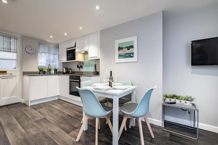 Harbourside at Padstow (Apt 1)