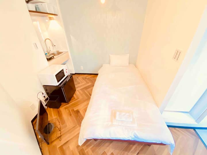 1min from Station/Newly renovated/Free Wifi/405