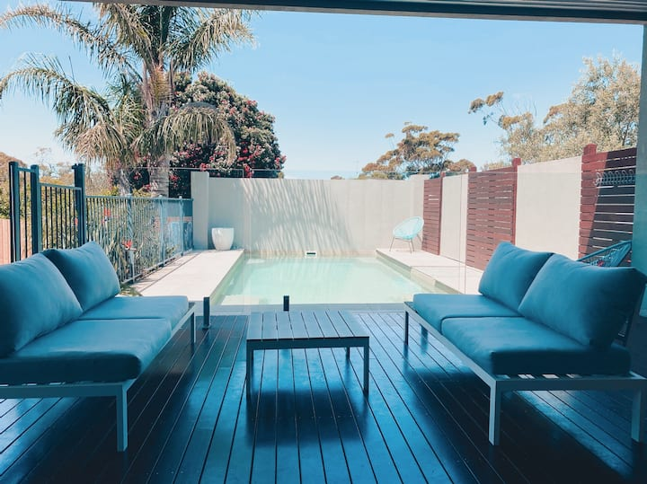 Modern home with pool in the heart of Inverloch.