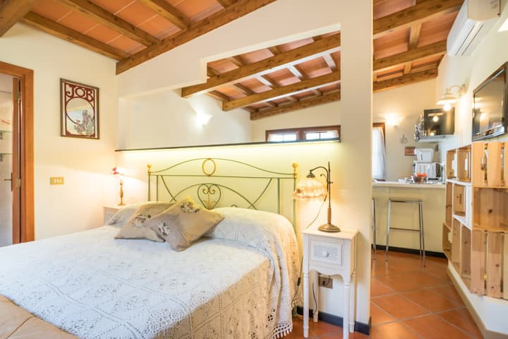 COZY APARTMENT AT B&B ROSSO BACCARA'
