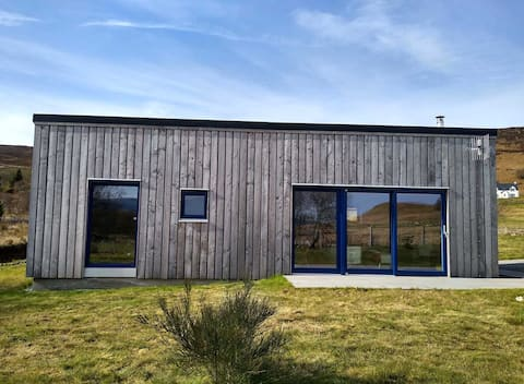 The Blueberry Shed - modern, simple, peaceful