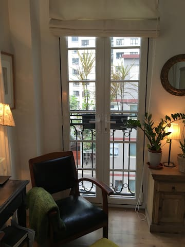 Charming 1 bedroom in trendy Sheung Wan - Hong Kong - Appartement